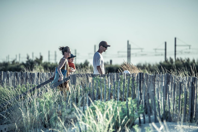 plage lido famille-Olivier-Octobre-photographe-publicite-sete-tourisme-communication-promotion-territoire